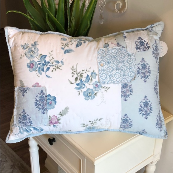 Simply Shabby Chic Decorative Pillows  from di2ponv0v5otw.cloudfront.net